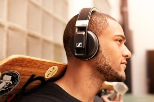 best-bass-headphones-sennheiser-urbanite-xl-wireless-copy-1500x1000