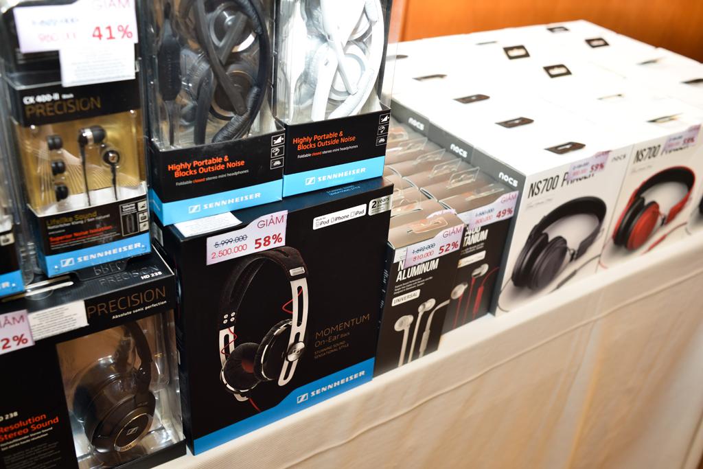 Momentum On Ear một sản phẩm rất hot cũng có sale trong đợt này