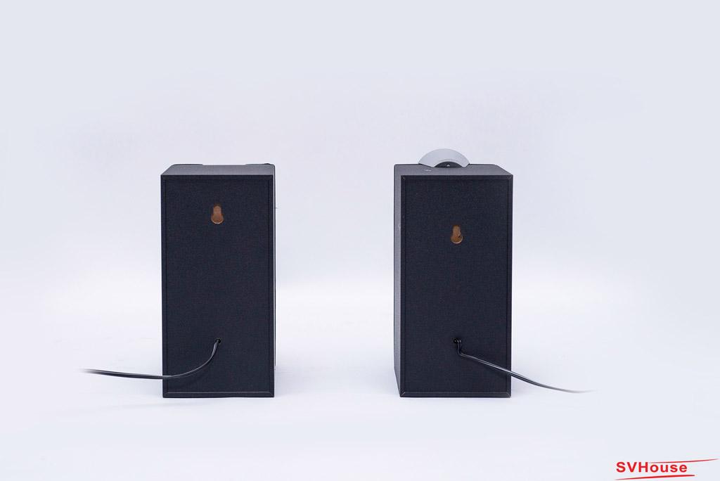 C2X cũng được thiết kế để có thể treo được lên trên tường