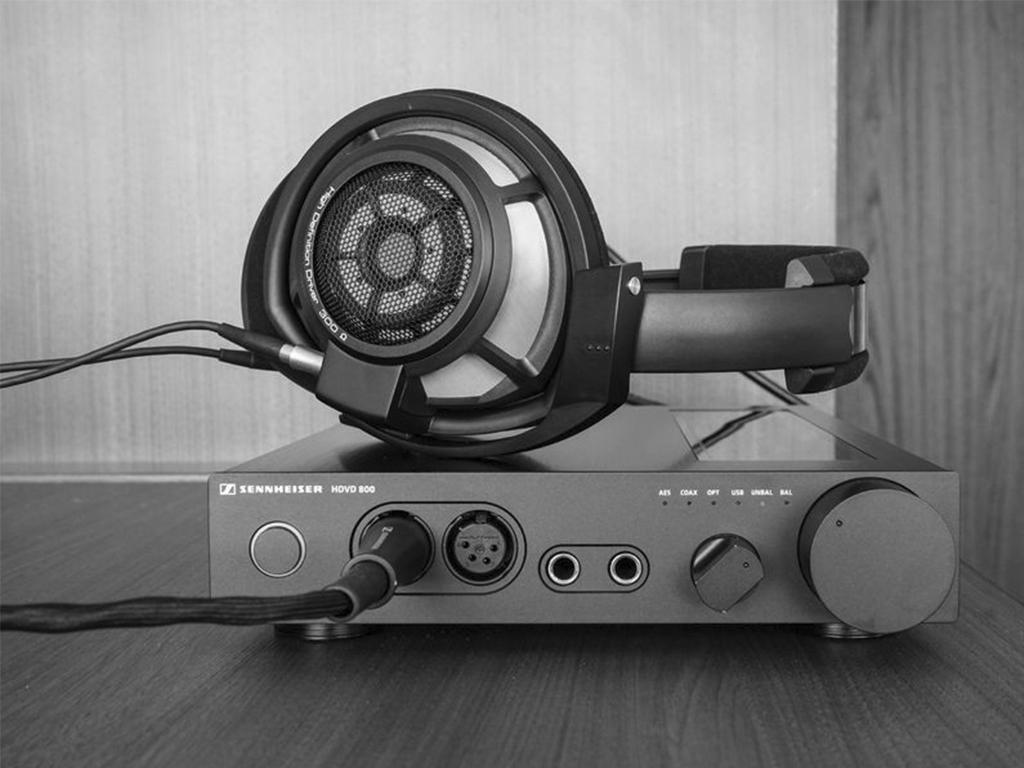 900x900px LL 5e3334c2 Sennheiser HD800S with HDVD800 DSC04835 - 攻略 | 耳机升级线有没有意义?如何搭配和选择?