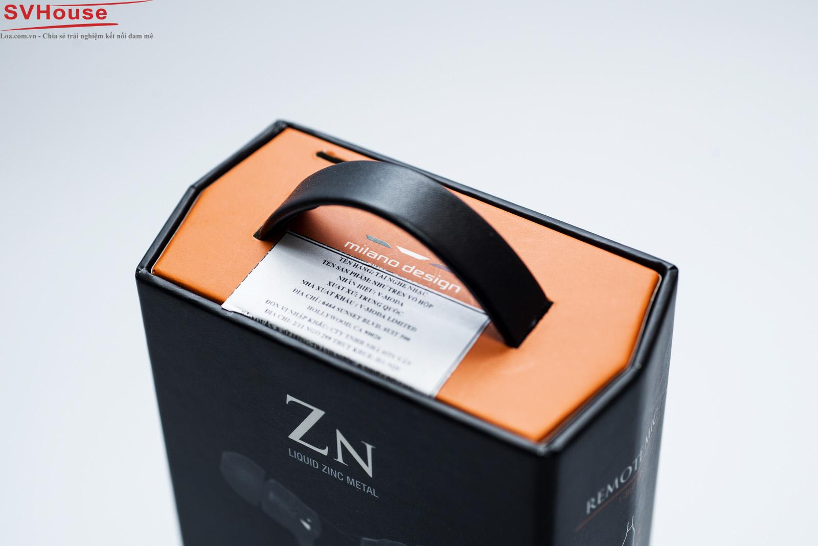 """Vẫn là ngôn ngữ thiết kế """"milano"""" vô cùng đặc sắc nhưng trong lần này màu sắc của hộp đã tạo nên sự khác biệt hơn với tông """"black-orange"""""""