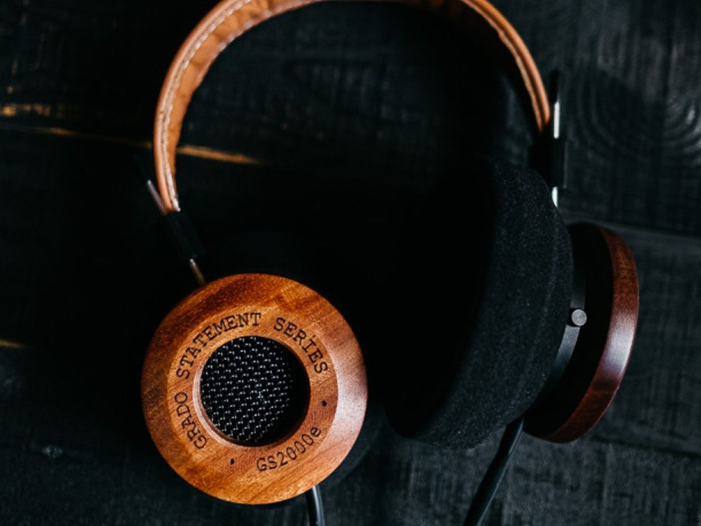Grado-Labs-GS2000e-Headphones-First-Shoot-1