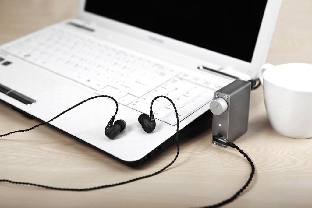 Bộ đôi tai nghe Nuforce HEM6 và DAC - Headphone Amp Nuforce UDAC5 chơi độ phân giải cao Hi Res 24bits, DSD,...