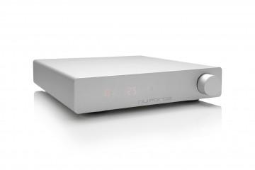 Integrated Amplifier Nuforce DDA120 có phần housing bằng aluminum nguyên khối, với thiết kế đơn giản nhưng thanh lịch