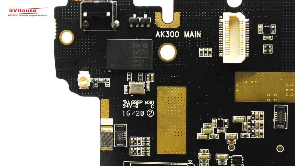 """Trên main có khắc """" AK300 Main """" khẳng định sản phẩm chính hãng."""