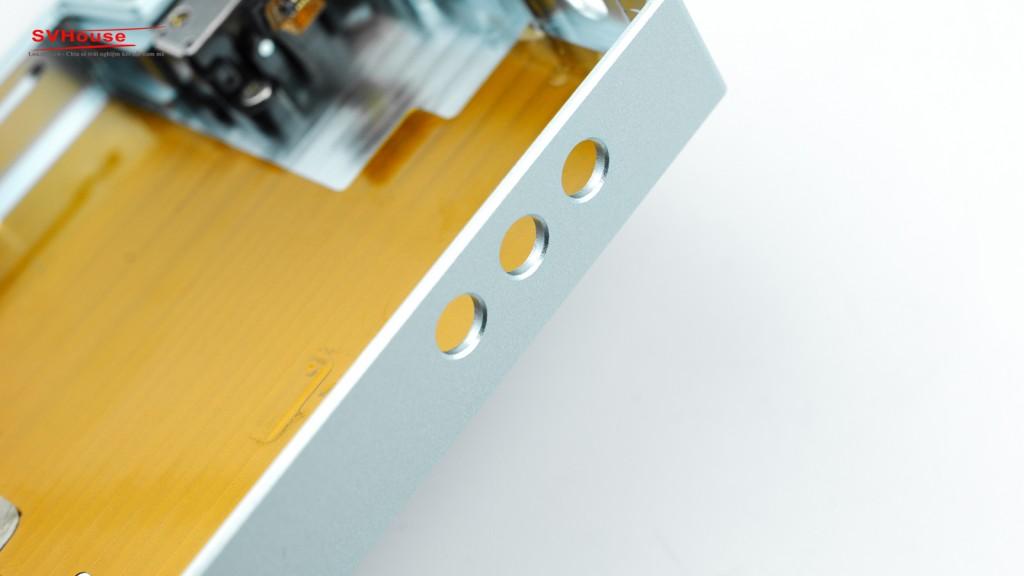Vị trí nút điều hướng được CNC ất đẹp và chính xác. Nói về công nghệ CNC phải nói Astell&Kern luôn áp dụng công nghệ vào sản phẩm của mình một cách hoàn thiện cao cấp.