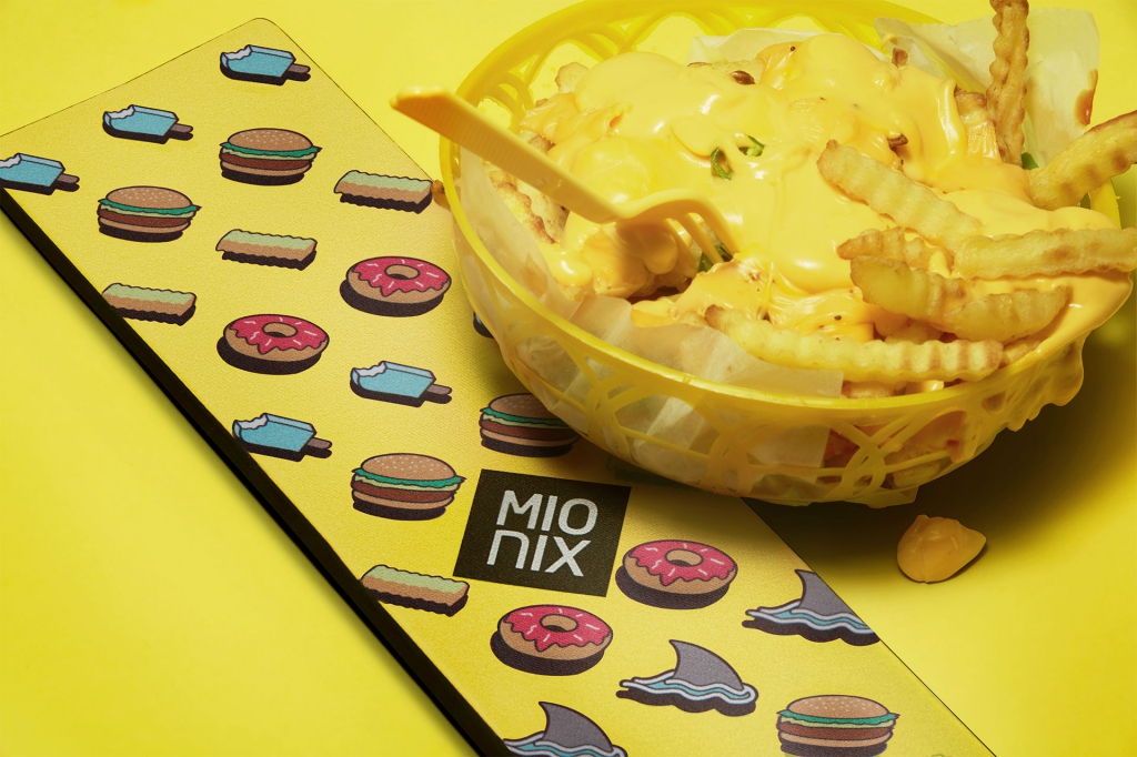 resize_long-pad-lifestyle-2-french_fries