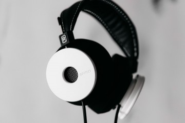 grado, grado labs, grado headphones, sunset park, brooklyn, handmade, hand-built, brooklyn headphone company, whitewash wood, all white, white headphones, white label, collaboration, limited edition