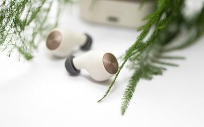 Nhìn đẹp mượt mà thế này mà kháng nước cao nhất trong các dòng tai nghe true wireless cấp độ IPX7
